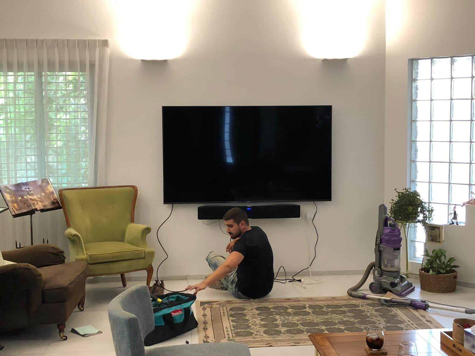 תמונת גלריה הגדול בהתקנות מתקין טלוויזיות מקצועי עם יחס אישי 9