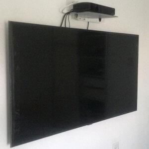 תמונה-ראשית-לעמוד-התקנת-טלויזיה-על-הקיר-זה-ככ-פשוט,-אז-למה-בכלל-להזמין-איש-מקצוע-הגדול-בהתקנות-מתקין-טלוויזיות-מקצועי1